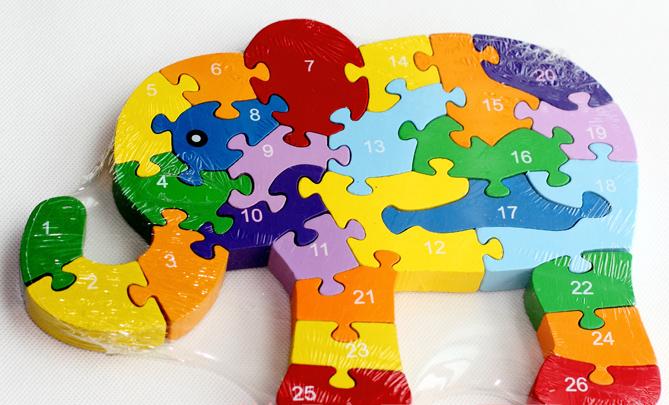 puzzle kinder giraffe abc oder zahlen lernspielzeug lernpuzzle holz alphabet ebay. Black Bedroom Furniture Sets. Home Design Ideas